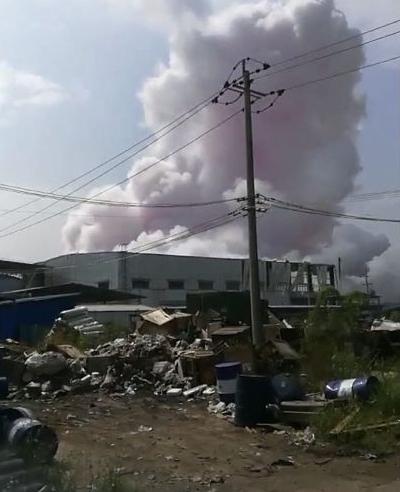 突发!广西玉林一化工厂发生爆炸4死6伤 去年底才增加危化品经营