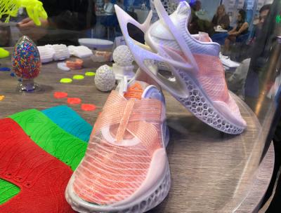 """3D打印球鞋来了!万华化学携手匹克展出全新3D打印运动鞋""""The Next"""""""