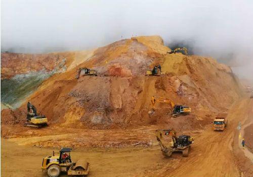 厄瓜多尔最大的铜矿在抗议中限制运营!