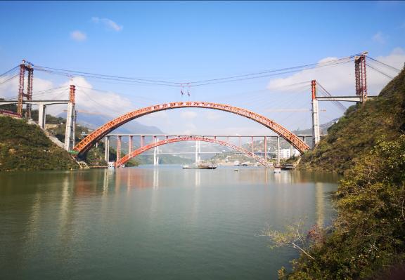 世界跨度最大的高铁无砟轨道拱桥合龙 误差仅2毫米