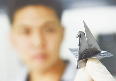 打破国外垄断!蚌埠成功拉引430毫米类石墨烯高导膜