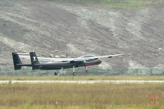 四川首次实现了大型工业级无人机与有人机的同场飞行