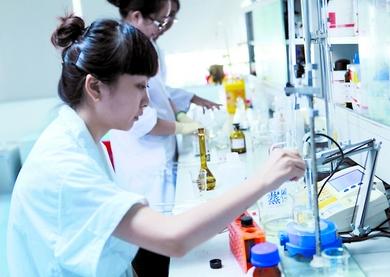 东华大学制备新型空气过滤材料 有效捕集并杀灭空气中的致病菌