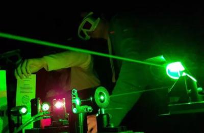 格罗宁根大学和南洋理工最新原理证明半导体能高效收集热电子