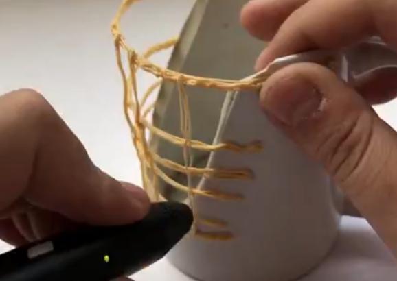 3D打印笔改造破旧水杯?在小伙的奇思妙想下变得艺术感十足