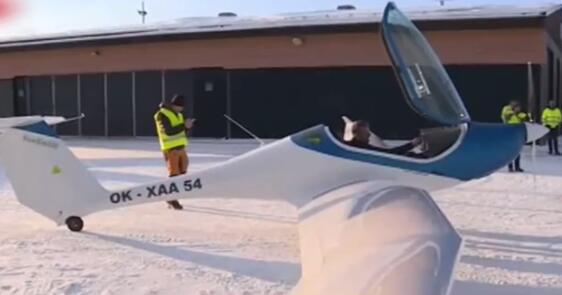 电动飞机首次在北欧冬季测试