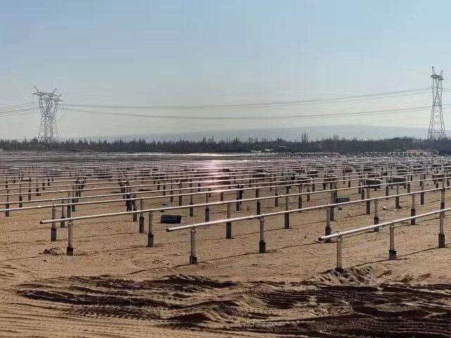 华能集团陕北光伏项目推平毛乌素沙漠三千多亩林草地