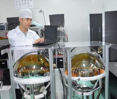 """中国拟建全世界最大的""""水晶球""""来捕捉宇宙中的""""幽灵粒子"""""""