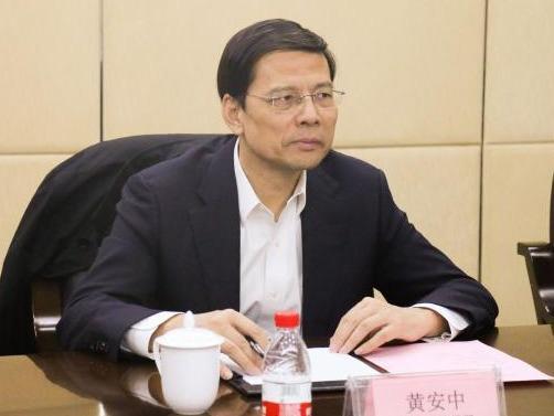 中国建材副总经理黄安中、原总会计师吴苏华被查:一位曾是榜样一位退休5年