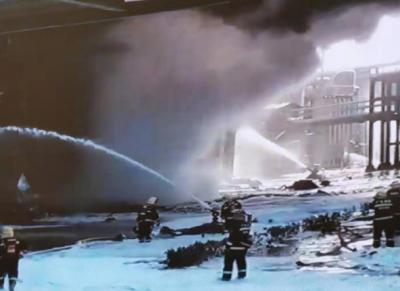 珠海化工厂爆炸:40辆消防车到达现场化企安全生产警钟长鸣