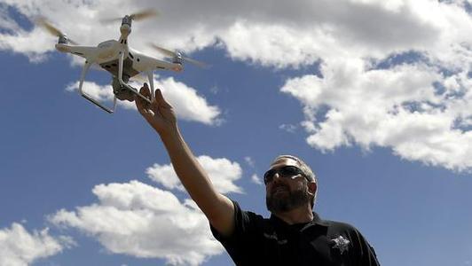 美国拟永久停飞中国产无人机 多家机构提出抗议