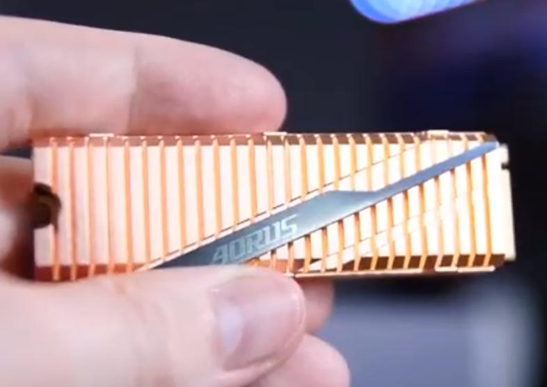 三星新旗舰级SSD 980 Pro亮相,支持PCIe 4.0,性能够猛
