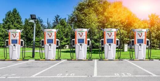 世界上最快最先进的电动汽车充电器来了!充电10分钟即可续航350公里