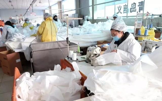 国家发改委: 各地逐步复工复产 口罩企业复工率已超76%