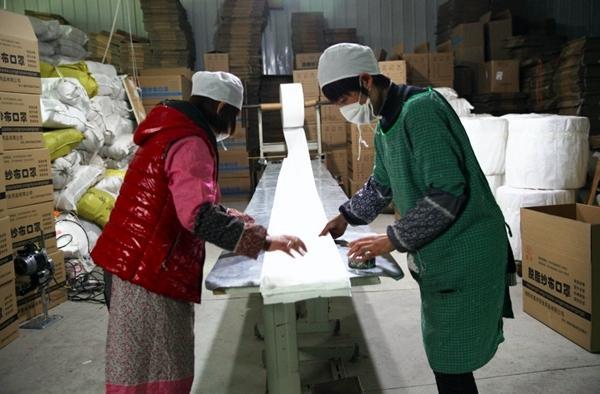 泰诺尔研发简化版KN95口罩 产量提升5倍