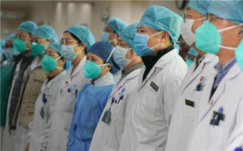 全国医务人员累计确诊1716例,6人不幸死亡的背后