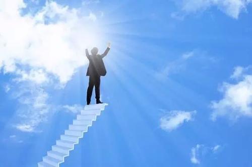 领导力的养成:破解三大误区,四大法则提升领导力