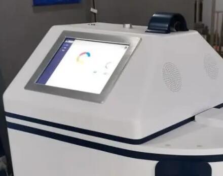 武汉方舱医院机器人护士来了:能发药能测体温