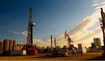 石化地炼行业开工率创四年新低 利润下挫幅度超四成