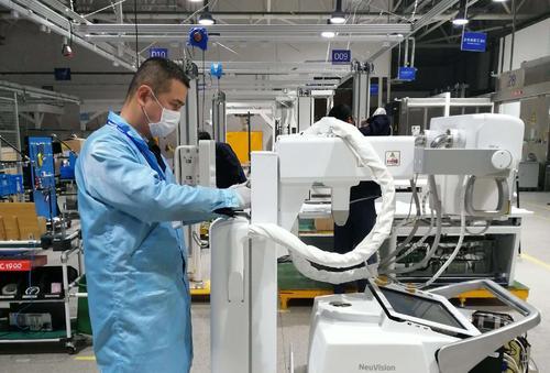 钟南山团队咽拭子采样机器人正式上线 可避免医护人员感染
