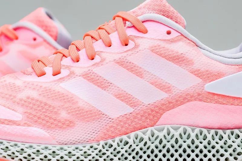 阿迪达斯发布新款3D打印跑步运动鞋4D Run 1.0 售价1699