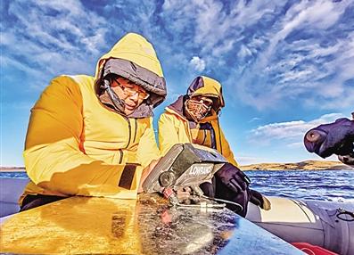 我国首次测得可可西里水下地形数据 为研究气候变化提供数据支撑