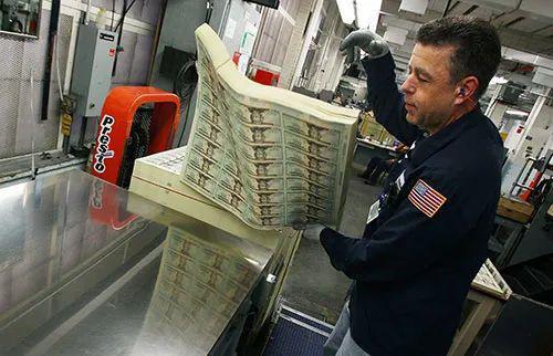美联储大规模救市,美元体系再扩张对中国意味着什么?