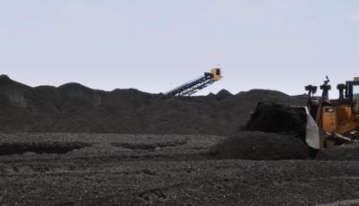 """煤企一季度利润下降近三成煤价跌入红色区间 """"组合拳""""出手救市"""