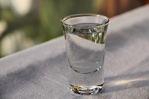 中国白酒的12种香型及典型代表知识汇总,你喜欢哪款?