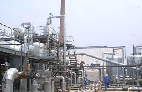 1-4月化学原料和制品制造业利润总额下降48%