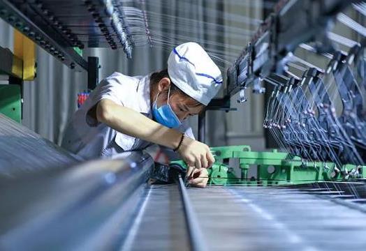 """常州突破""""卡脖子""""技术 加速助推碳纤维复合材料产业升级"""