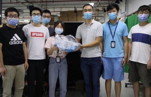 首款便攜式新冠核酸檢測咽拭子采集智能機器人問世