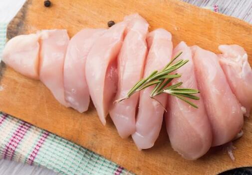 多国13家肉企被迫关停,进口鸡肉产品库存能撑多久?