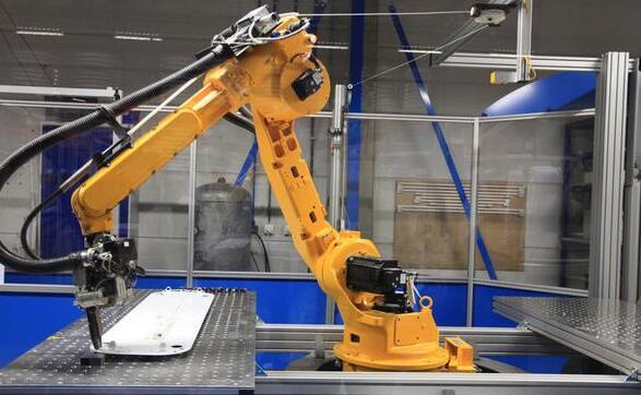 机械手如何操作?主要用在哪些方面?未来几年的发展趋势如何?