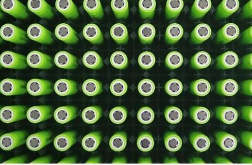 1648億大生意!新能源汽車催生千億動力電池回首大市場