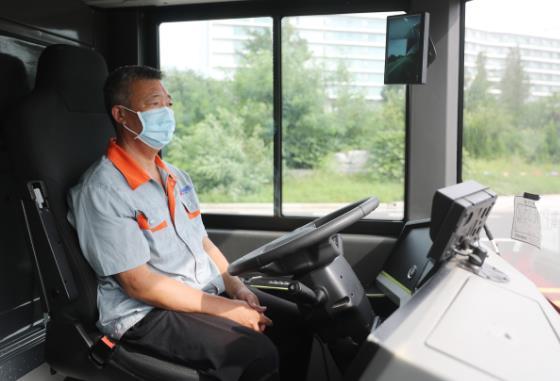 5G智能駕駛公交車在青島試跑 對車輛故障可遠程診斷