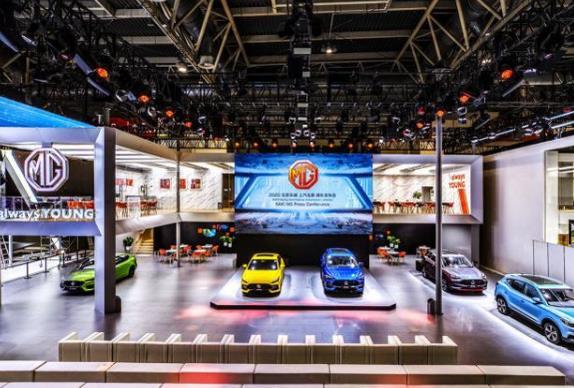 上汽集团逾百辆新车亮相北京车展 智能网联汽车的时代已经来临