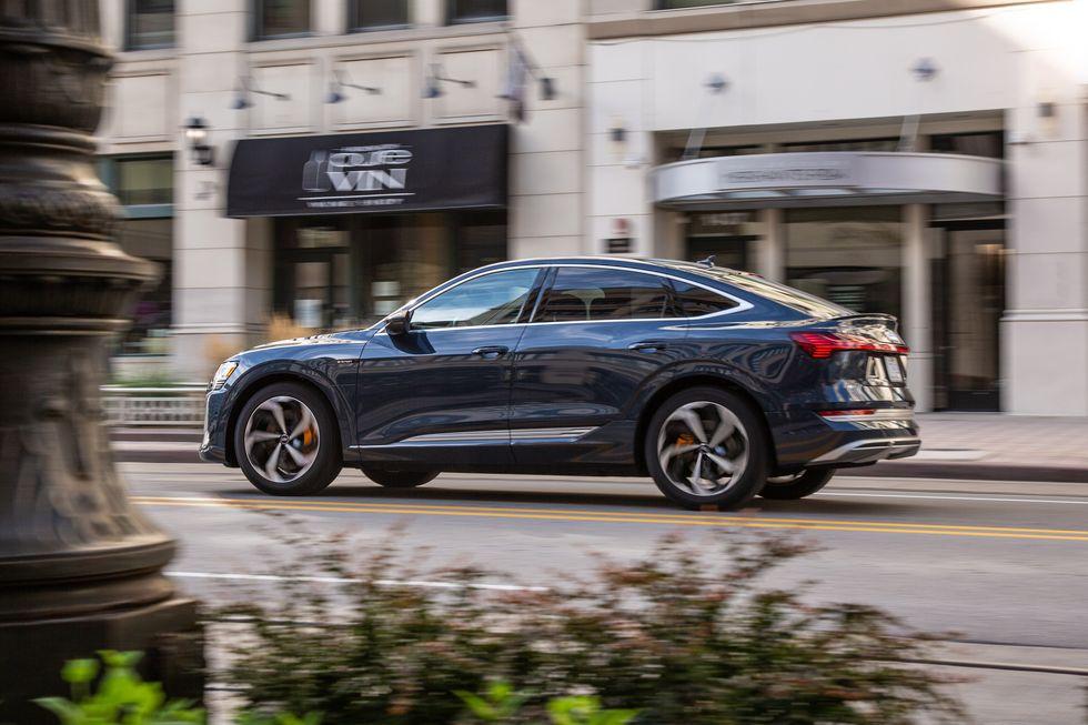 2020的奥迪电动混合汽车将引领时尚