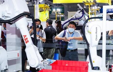 ABB将加大中国机器人制造规模 全球机器人长期需求仍将上升