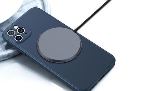 专为iPhone 12 设计的磁性无线充电器 苹果盛会前发布