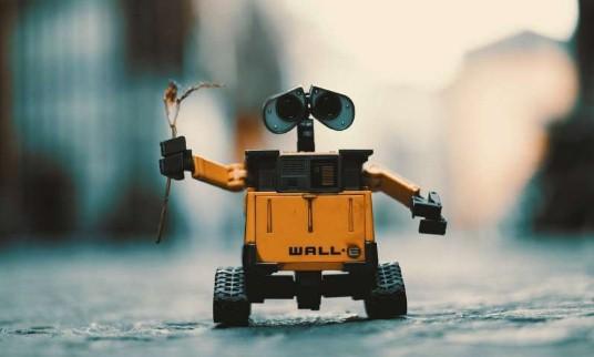 机器人在对抗新型冠状病毒大流行时所发挥的作用