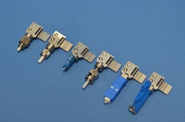 加拿大一企业推出新型裸光纤适配器,可将未端接的光纤与商用插座一起使用