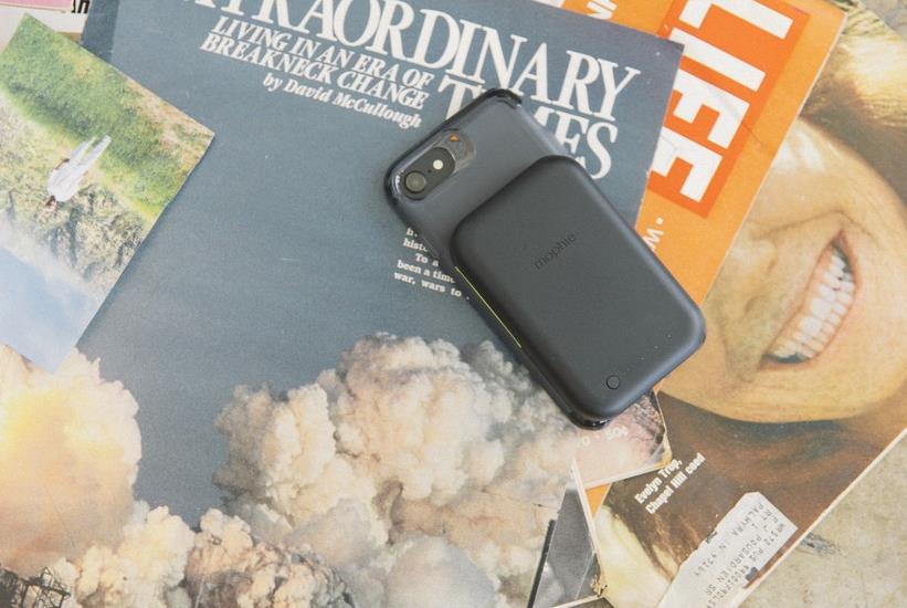 mophie推出一款适用于iPhone的新型便携式可移动无线充电器