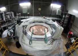 美国最大暗物质实验设施竣工,探测灵敏度比LUX高100倍