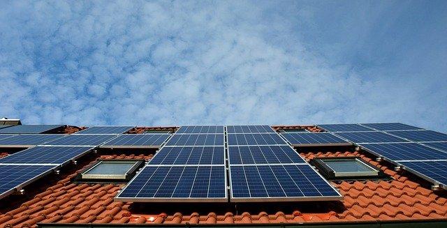 受生物启发的柔性钙钛矿太阳能电池