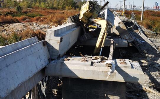 天津铁路桥坍塌事故致8人死亡:名单已公布 4人为山东籍