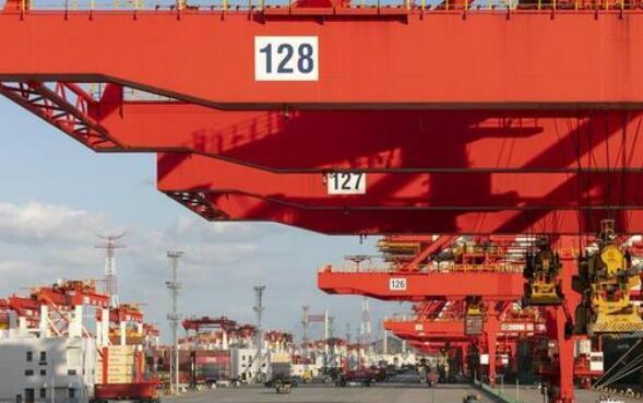 上海港集装箱重量验证智能监管系统正式上线,单月吞吐量破纪录