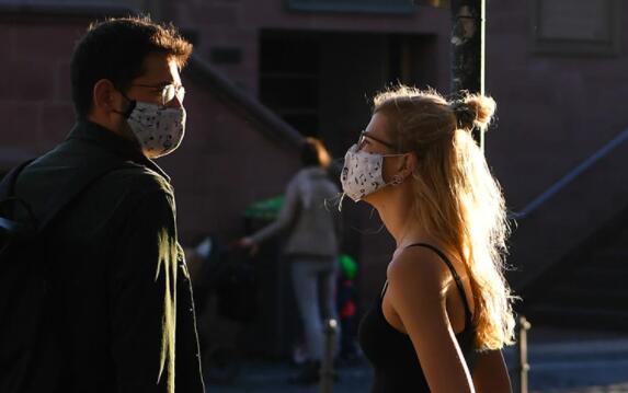 中国暂停部分国家人员入境,欧洲第二波疫情升级