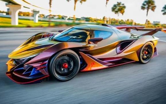 全球首款全碳纤维超级跑车亮相进博会 全球限量10台