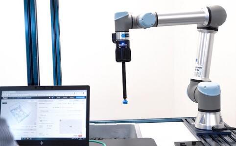 Robotiq推出新的机器人垃圾箱拣选解决方案
